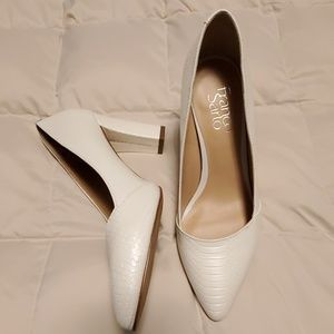 Franco Sarto 6.5M Ivory/White faux alligator shoes